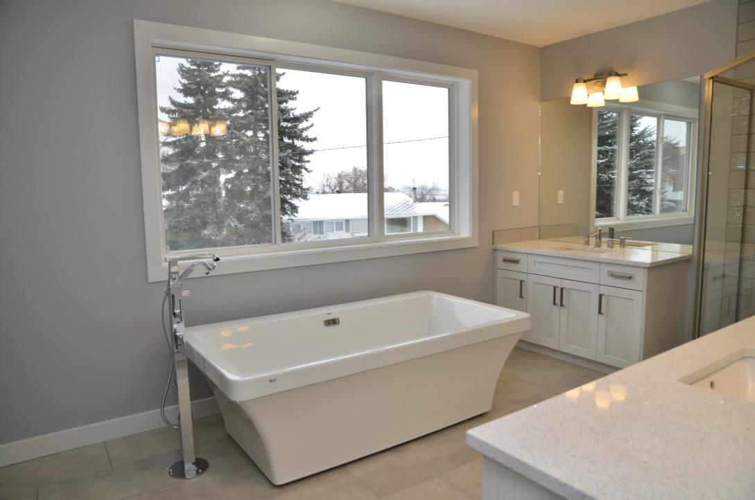 Bedrock Construction - master bathroom renovation - soaker tub